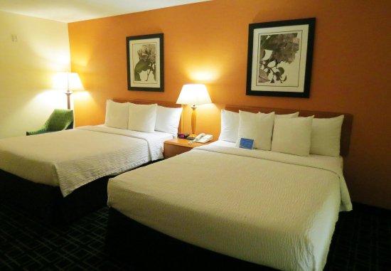 Mount Vernon, IL: Queen/Queen Guest Room