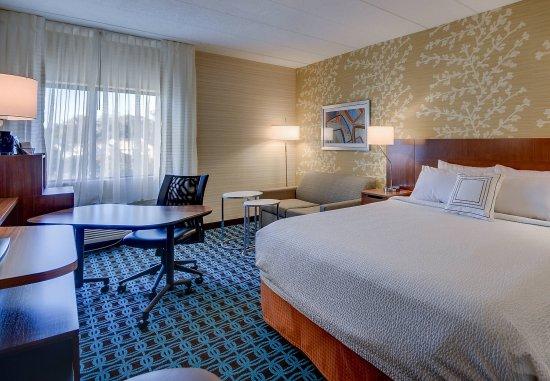 Williston, VT: King Guest Room - Work Desk