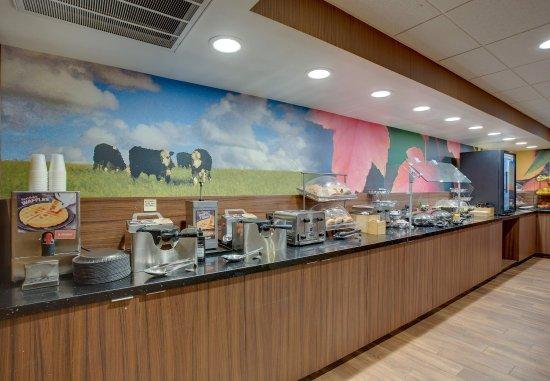 Williston, VT: Breakfast Buffet