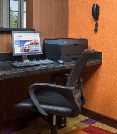 Fairfield Inn & Suites Cheyenne: Business Center