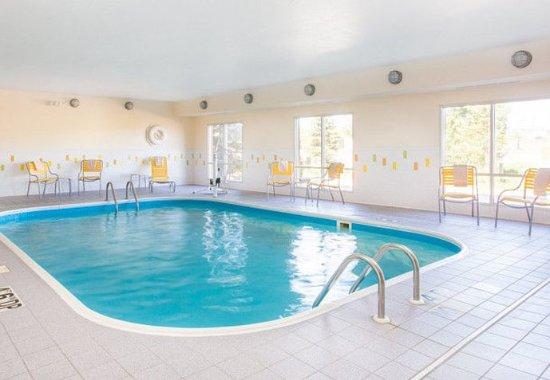 Fairfield Inn & Suites Cheyenne: Indoor Pool & Whirlpool