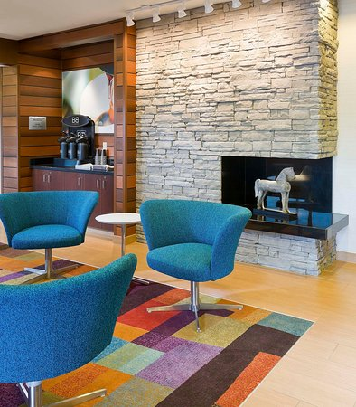 Fairfield Inn & Suites Kansas City Lee's Summit: Lobby