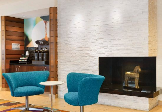 Fairfield Inn & Suites Bryan College Station: Lobby - Seating Area