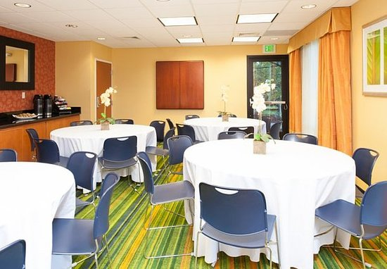 Norton Shores, MI: Great Lakes Meeting Room   Social Event Setup
