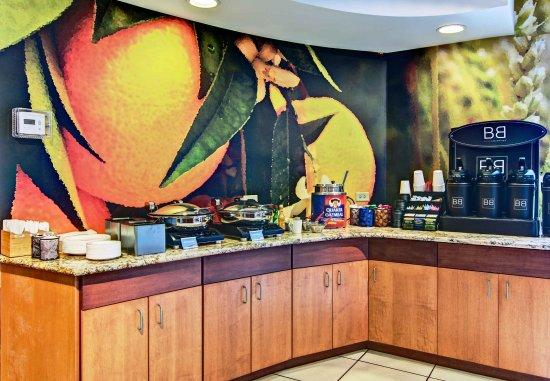 State College, PA: Breakfast Buffet