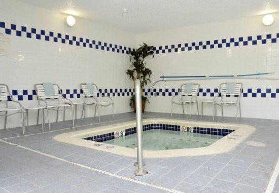 Fairfield Inn Kennewick: Hot Tub