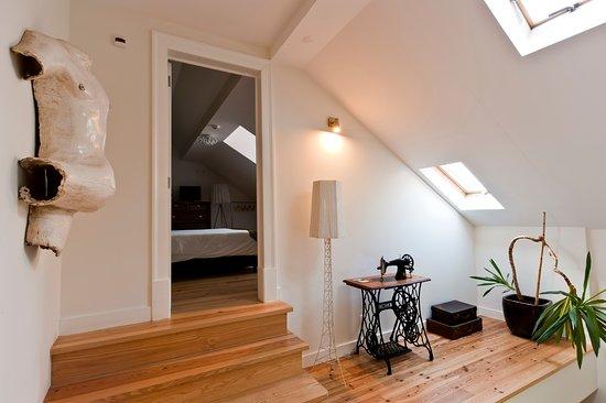 Casa do Bairro by Shiadu: Hallway
