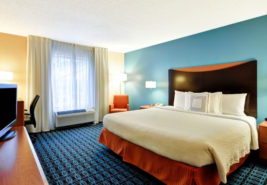 Fairfield Inn & Suites Dallas Medical / Market Center