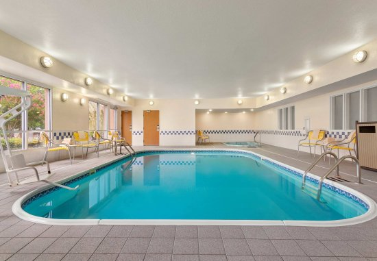 Norman, OK: Indoor Pool & Hot Tub