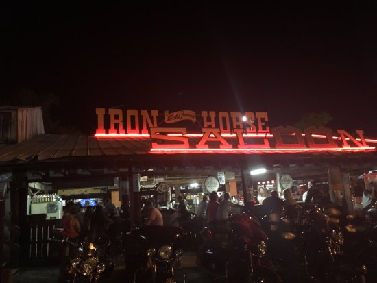 Iron Horse Saloon: Bikes and beers!