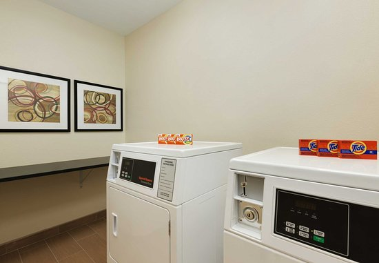 Fairfield Inn & Suites Colorado Springs Air Force Academy: Guest Laundry