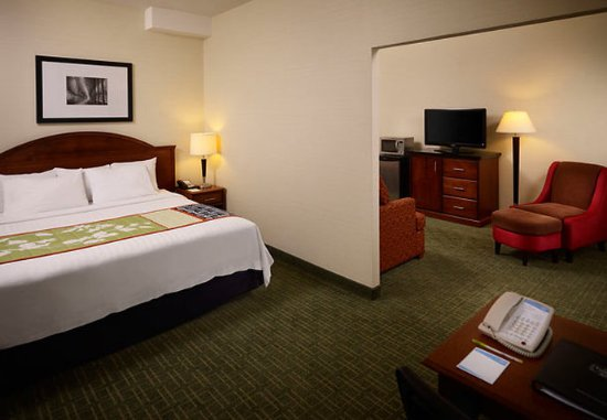 Fairfield Inn Toronto Oakville: Extended King Guest Room