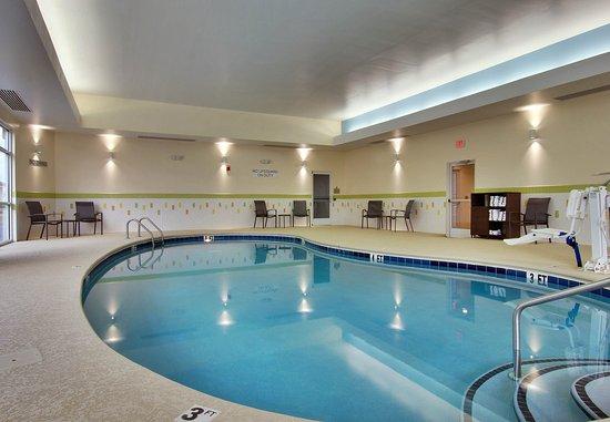 Fairfield Inn & Suites Clarksville: Indoor Pool