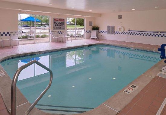 Saint Charles, MO: Indoor Pool