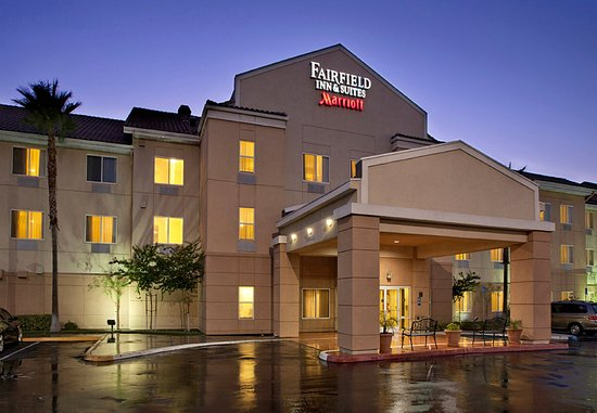Fairfield Inn & Suites San Bernardino: Entrance