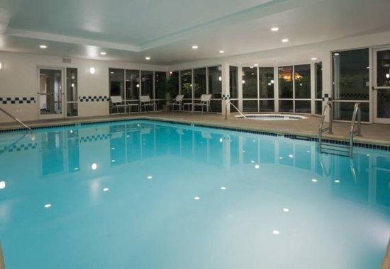Fairfield Inn & Suites Portland West/Beaverton: Indoor Pool & Spa