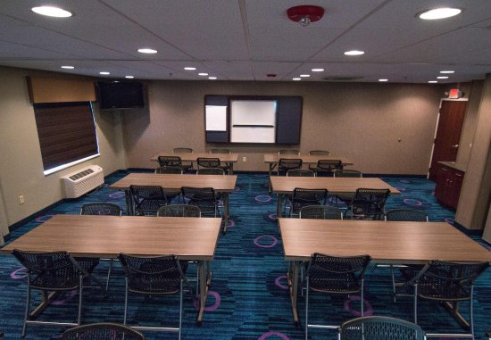Fairfield Inn & Suites Lancaster: Meeting Room