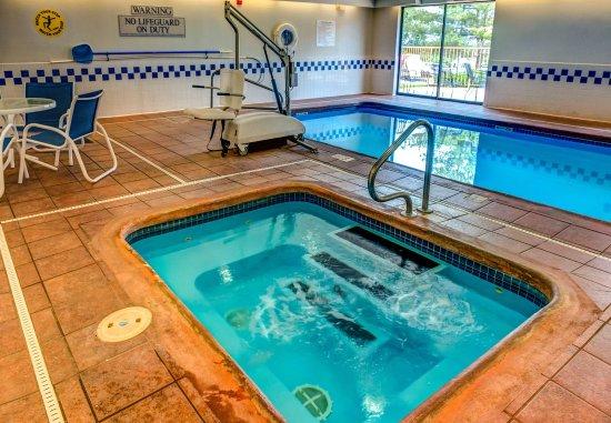 Fairfield Inn Fort Leonard Wood St. Robert : Indoor Pool & Hot Tub