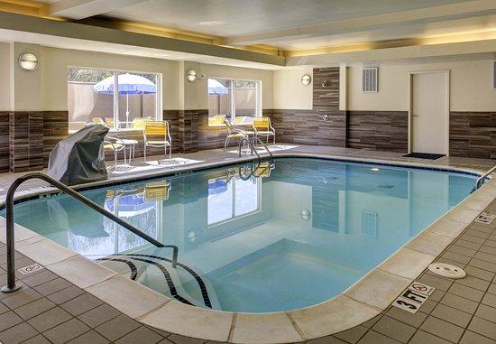 Fairfield Inn & Suites Atlanta Suwanee: Indoor Pool
