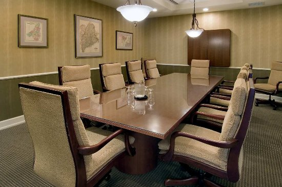 Auburn, ME: Boardroom