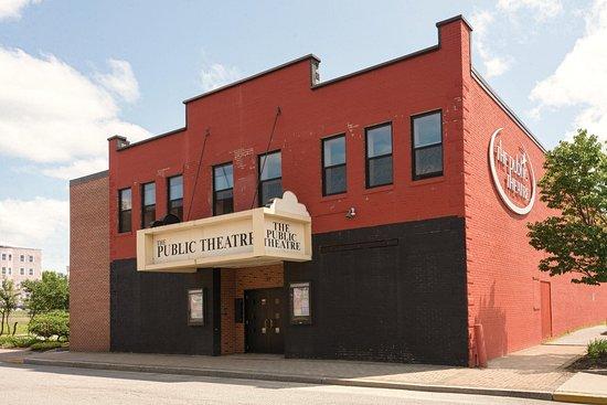 Auburn, ME: Public-Theater