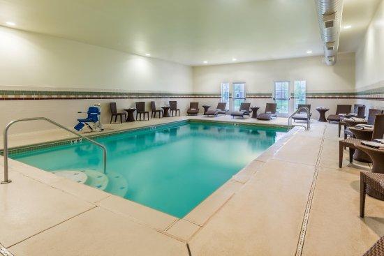 Maryland Heights, MO : Heated Indoor Pool