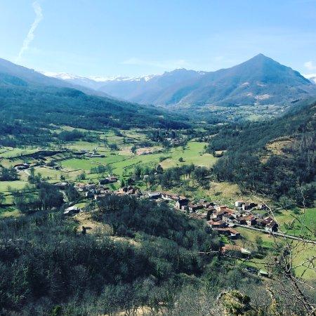 Crechets, Francia: View