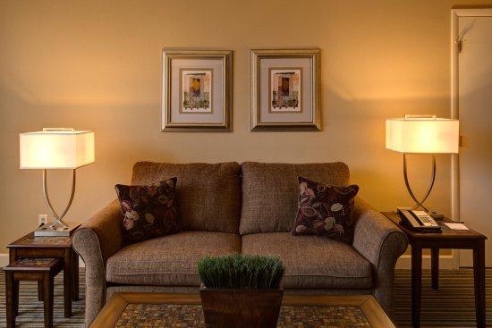 Fairlawn, OH: Junior Suite Living