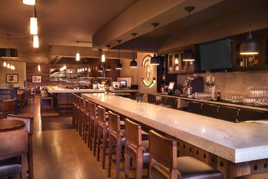 Concord, CA: Plate and Vine Restaurant and Bar