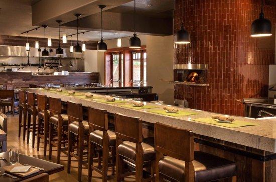 Concord, CA: On-Site Restaurant/Wine Bar