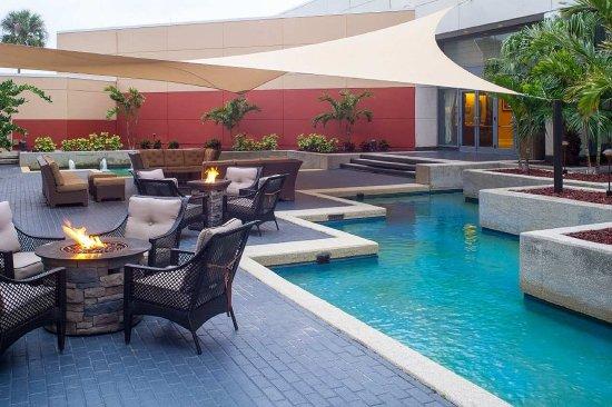 Hilton Melbourne Rialto Place: Courtyard