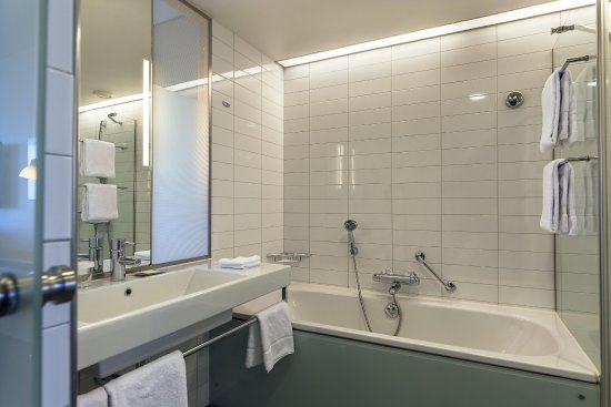 Vantaa, Finland: Twin Guest Bathroom