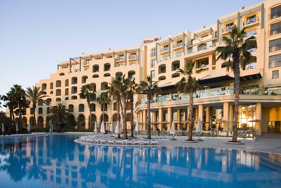 Hilton Malta: Pool View