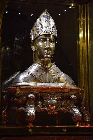 Santa Maria della Pieve: reliquiario di San Donato( 1345-46)