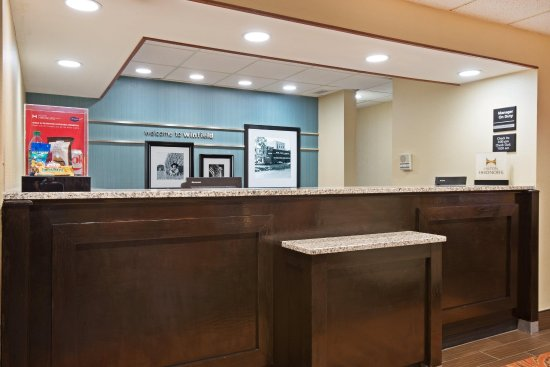 Hurricane, Virginia Occidentale: Reception Desk