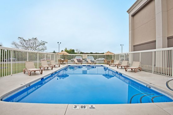 Hurricane, Virginia Occidental: Outdoor Pool