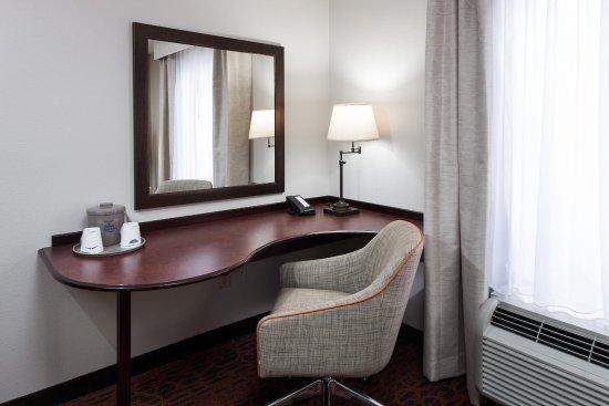 Dothan, AL: Guest Room Desk