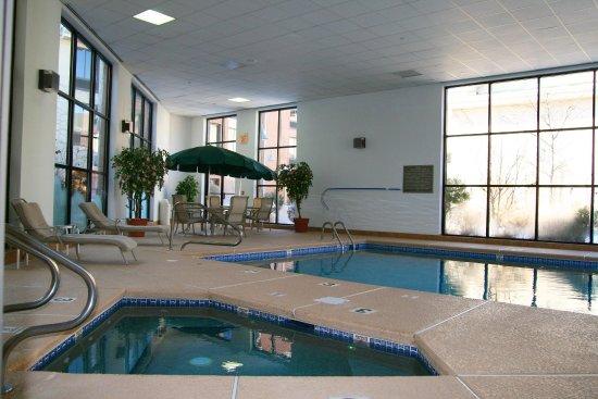 Fairfield, NJ: Pool and Whirlpool