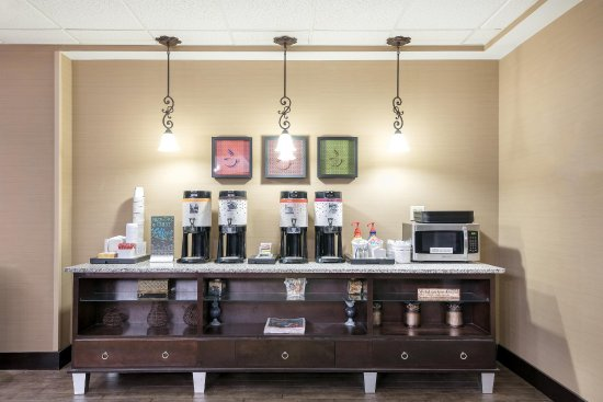 Hampton Inn Myrtle Beach - West: Coffee Station