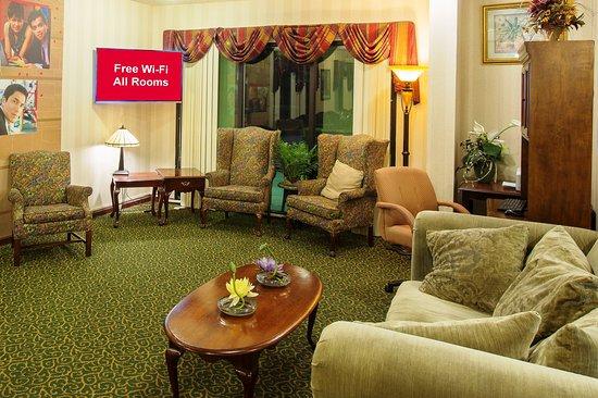 Kingsland, GA: Lobby Sitting Area