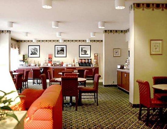 Hampton Inn Charleston - Downtown: Lobby