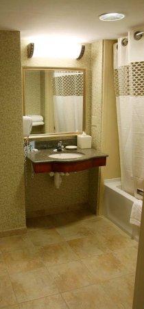 Easton, MD: King Accessible Bathroom