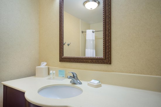 Middletown, DE: Bathroom