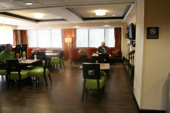 Olive Branch, MS: Breakfast Dining Area