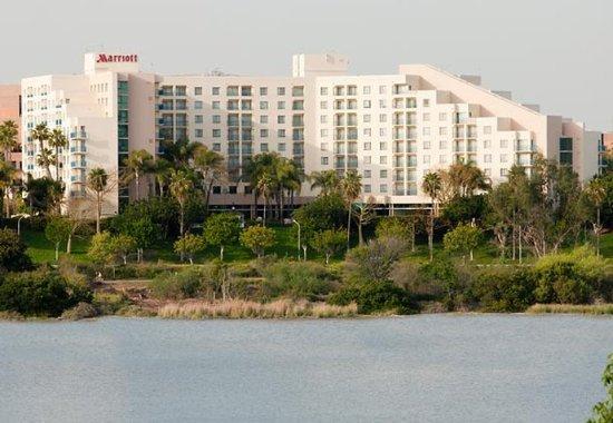 Newport Beach Marriott Bayview: Exterior   Bayside View