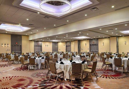Berkeley, MO: Grand Ballroom   Banquet Setup