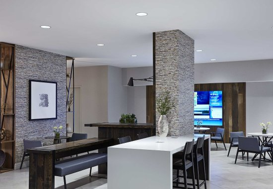 Bethesda, Maryland: Greatroom - Seating Area