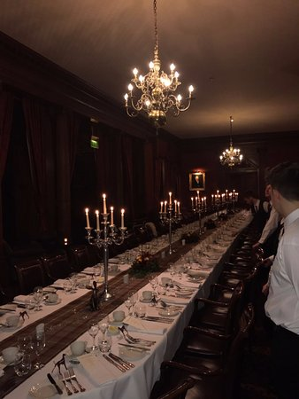 Crathorne, UK: Amazing 50 person, 7 course dinner by candelight