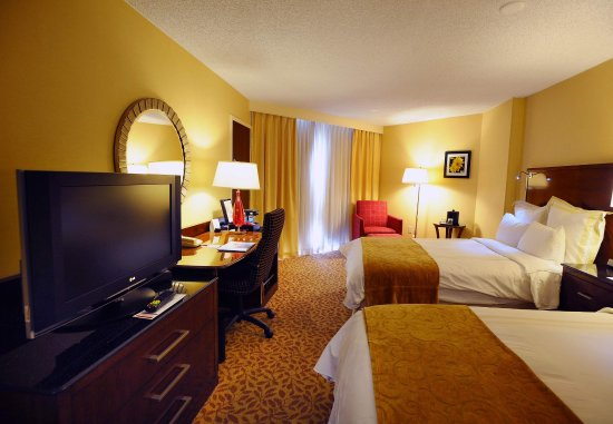 Albuquerque Marriott: Concierge Double/Double Guest Room