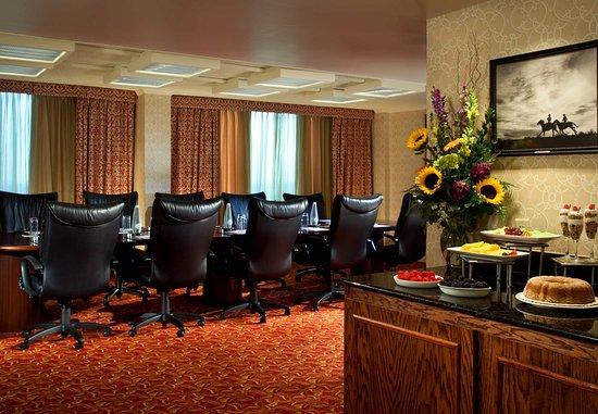 Irving, TX: Executive Boardroom